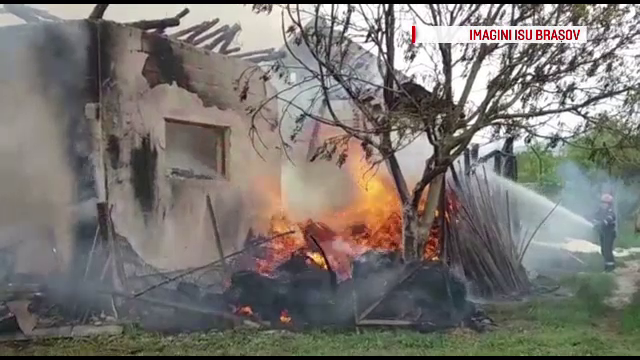 O femeie insarcinata a fost la un pas de tragedie, dupa ce a pus lemne pe foc si a izbucnit un incendiu
