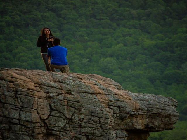 Un fotograf american trebuia sa surprinda momentul unei cereri in casatorie, insa o greseala a stricat totul. FOTO