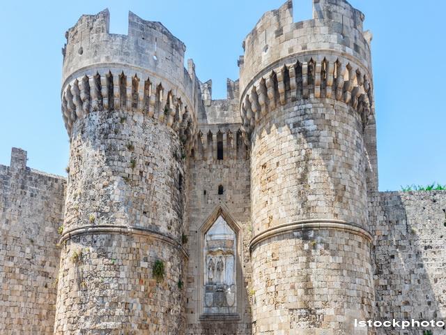 Castele, vile princiare sau manastiri oferite gratuit de catre statul italian. Conditiile care trebuie indeplinite