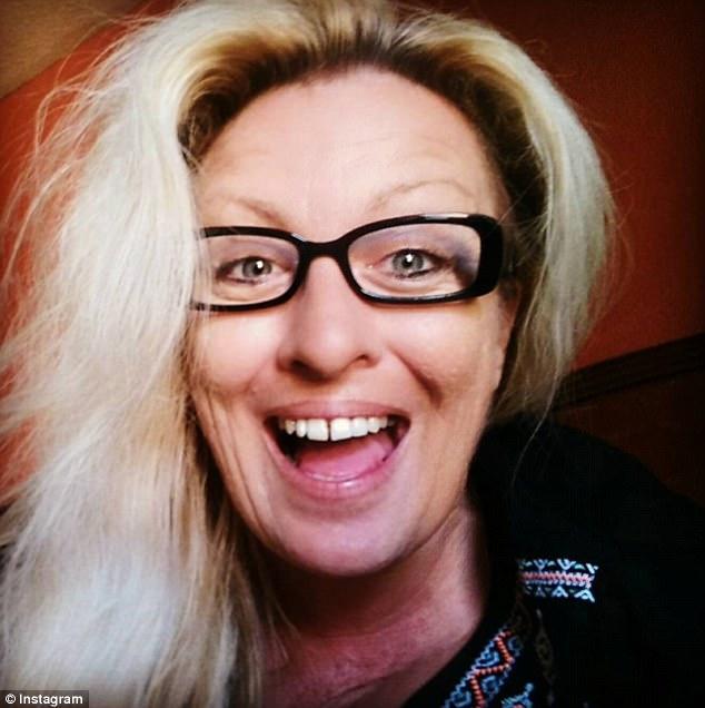 O femeie ar fi pretins ca are o tumora cerebrala si a strans 40.000 de dolari din donatii. Pe ce a cheltuit toti banii