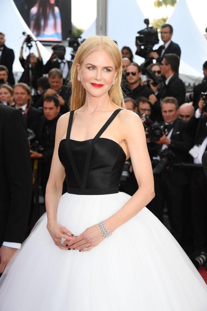 Nicole Kidman a stralucit pe covorul rosu la Cannes. Actrita australiana are nu mai putin de patru pelicule la festival. FOTO