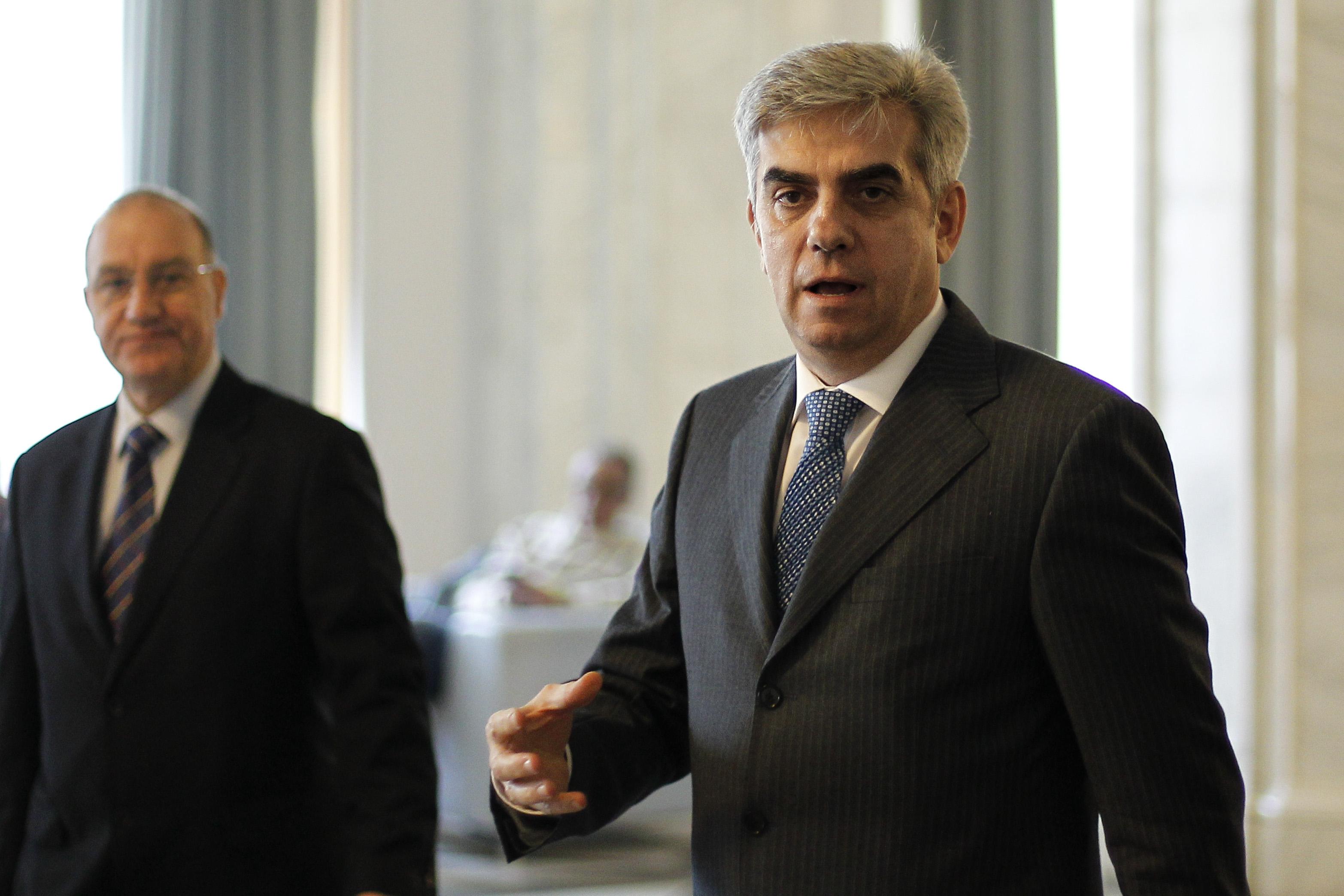 Fostul ministru al Sanatatii Eugen Nicolaescu a fost votat pentru postul de viceguvernator al BNR, cedat PNL de catre PSD