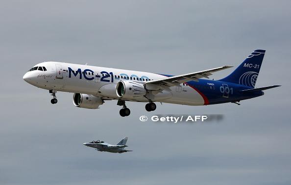 Rusia a testat in premiera un nou avion de pasageri. Moscova si Beijingul pun presiuni pe Boeing si Airbus. VIDEO