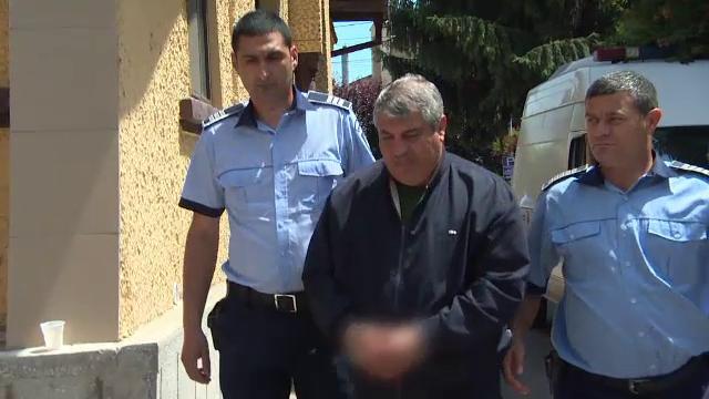 Politistul acuzat de 4 infractiuni de luare de mita si 7 infractiuni de trafic de influenta
