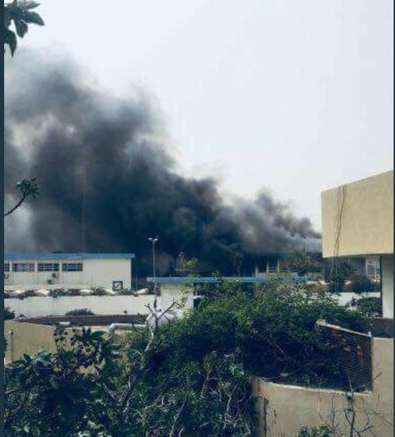 Atentat sinucigaș la sediul Comisiei Electorale din Tripoli. 11 persoane au murit