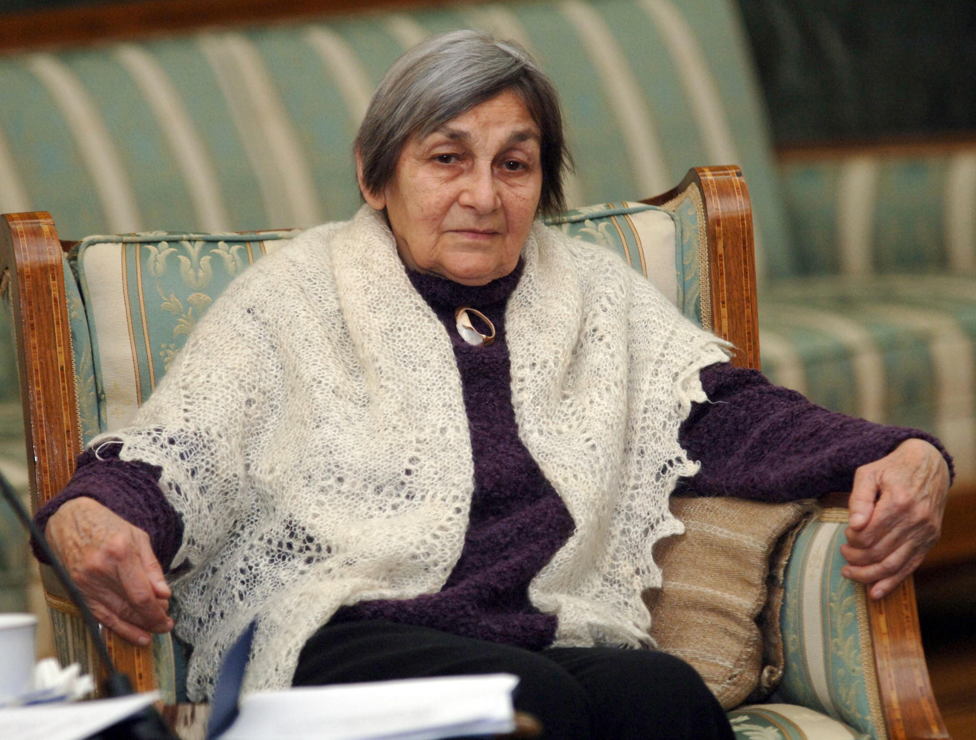 """Doina Cornea, înmormântată cu onoruri militare. """"A fost unul dintre sufletele României"""""""
