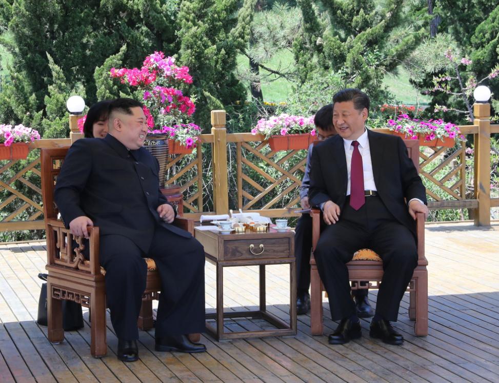 Vizită istorică a lui Jinping la Phenian. Mesajul transmis de cei 2 lideri Statelor Unite