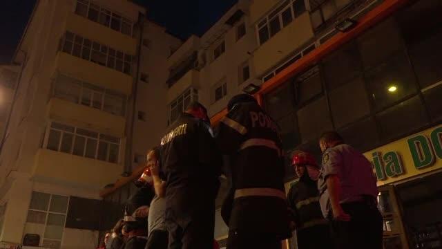 Bloc evacuat din cauza unui incendiu, în Vaslui. Pagubele sunt uriaşe