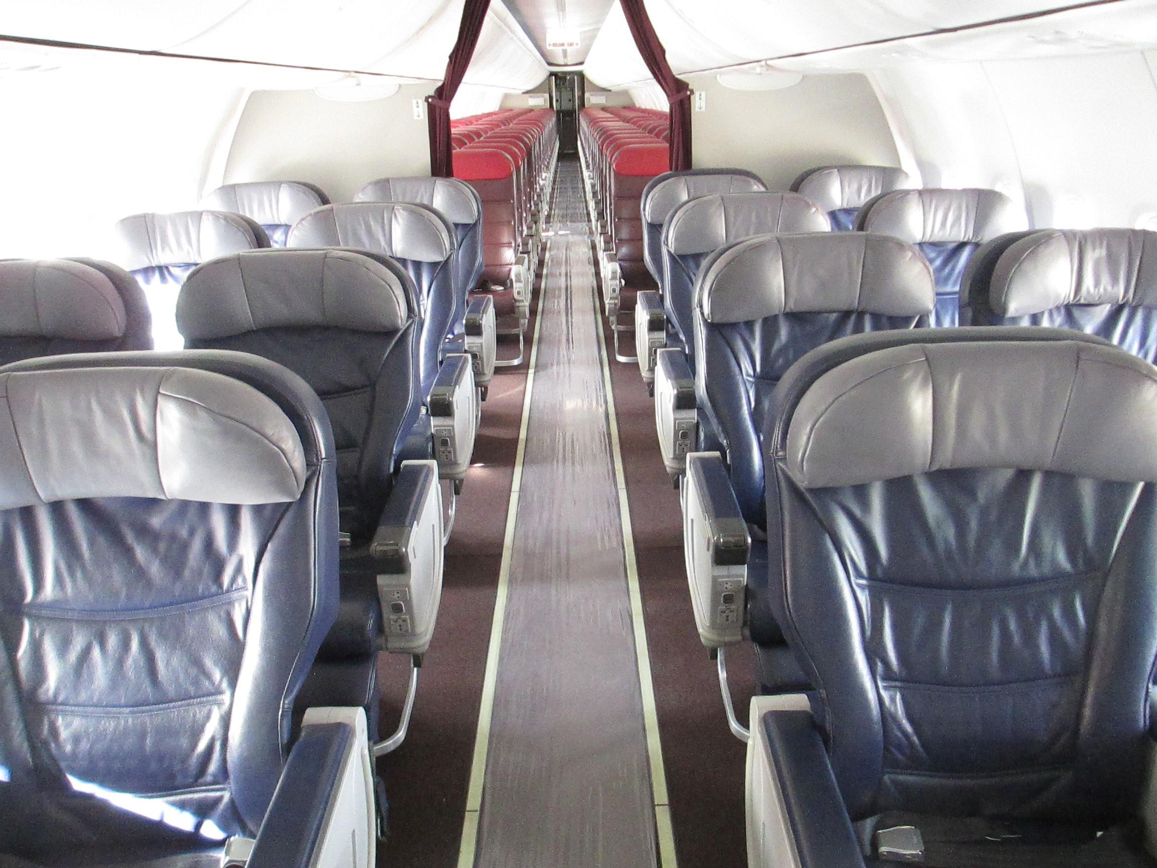"""Dăncilă anunță că TAROM va avea avioane """"noi, moderne"""". Surse: Ar fi luate de la Malaysia Airlines și au 5 ani vechime"""