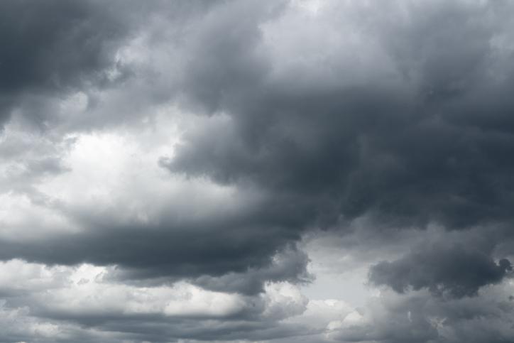 Cod portocaliu de ploi abundente în localităţi din judeţul Timiş. Vânt puternic în alte 3 judeţe