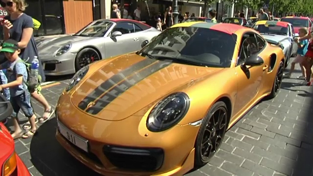 Țara unde centenarul independenței a fost omagiat cu o paradă a 100 de mașini Porsche