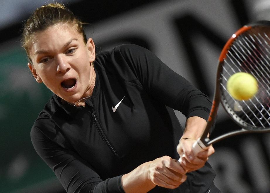 Simona Halep rămâne numărul 1 mondial, după ce a învins-o în 2 seturi pe Caroline Garcia