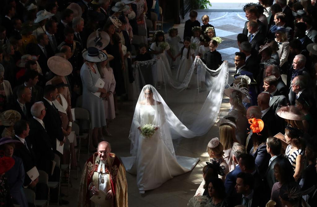 Nunta regală în imagini. Sosirea la capelă, primul sărut și plimbarea cu caleașca