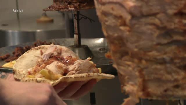 134 persoane au suferit toxiinfecţii alimentare de la maioneza dintr-un fast food din Iași