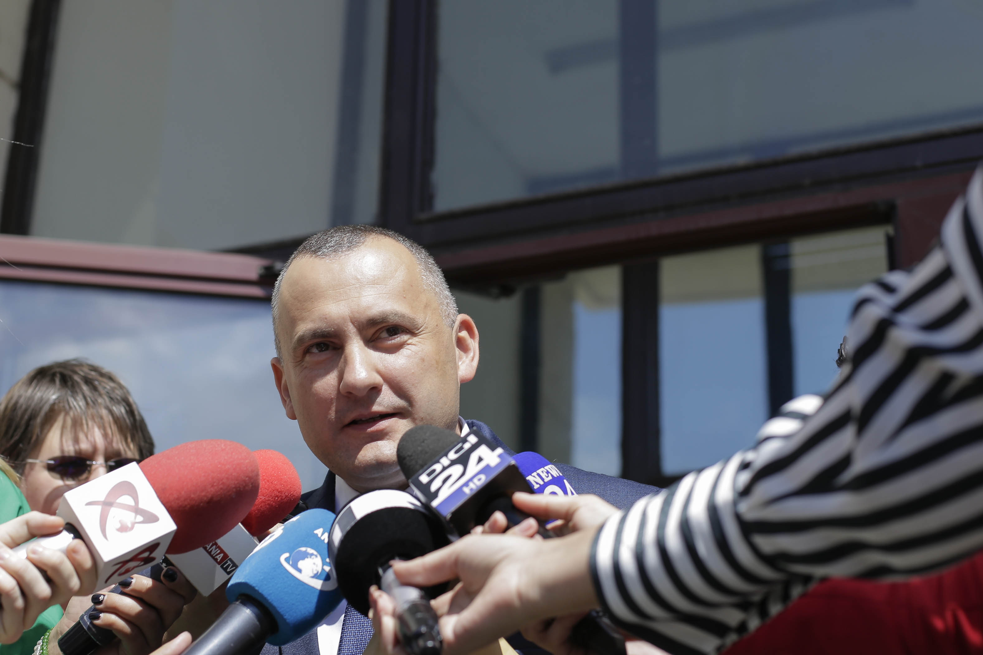 Lucian Onea, fostul şef al DNA Ploieşti, a fost suspendat din funcţie