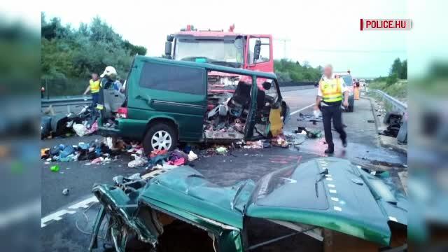 Microbuzul în care au murit 9 români nu avea talon sau licenţă de transport. Poliţiştii maghiari, şocaţi de accident