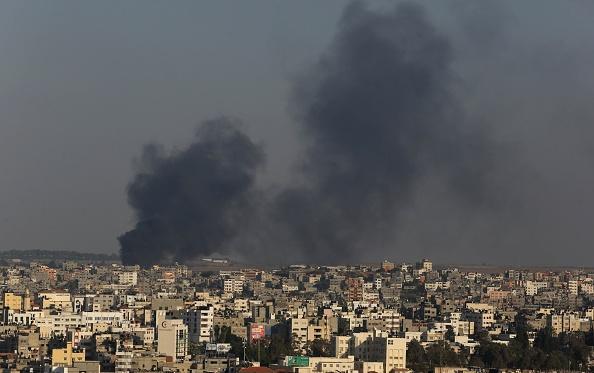 Bombardamente israeliene pe întreg teritoriul Fâşiei Gaza