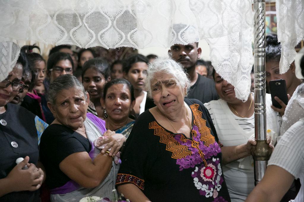 Sute de persoane dintr-o biserica, salvate de eroarea unui jihadist. A ucis, insa, 14 copii