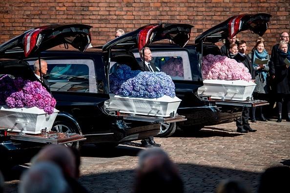 Scene sfâșietoare la funeraliile copiilor miliardarului Povlsen, uciși în atentatele din Sri Lanka