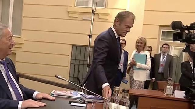 Summitul de la Sibiu. Ce glumă i-a făcut Donald Tusk lui Jean-Claude Juncker