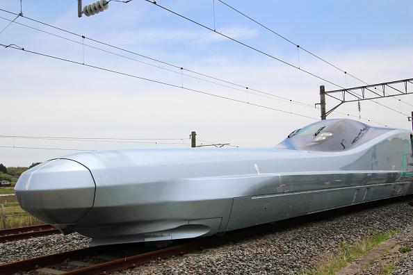 """Trenul """"OZN"""", testat de japonezi. Este capabil să atingă 400 de km/h"""
