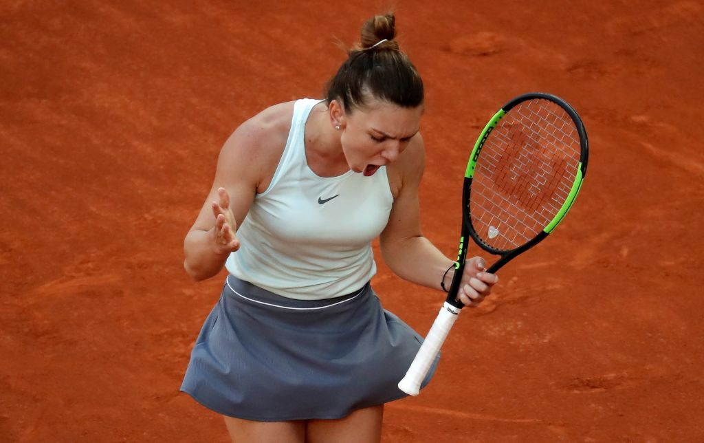 Simona Halep se califică în turul II la Roland Garros. Victorie grea cu Ajla Tomljanovic