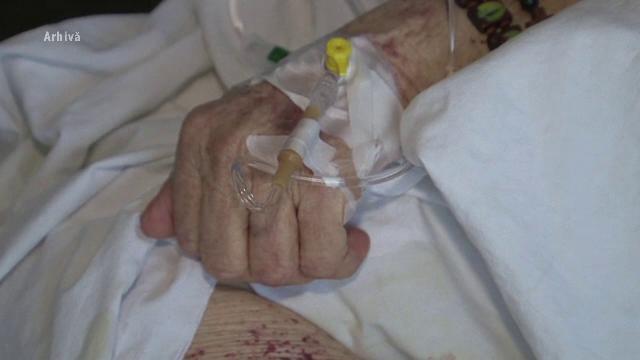 De la parastas, direct la spital. Ce au pățit cinci persoane din Botoșani