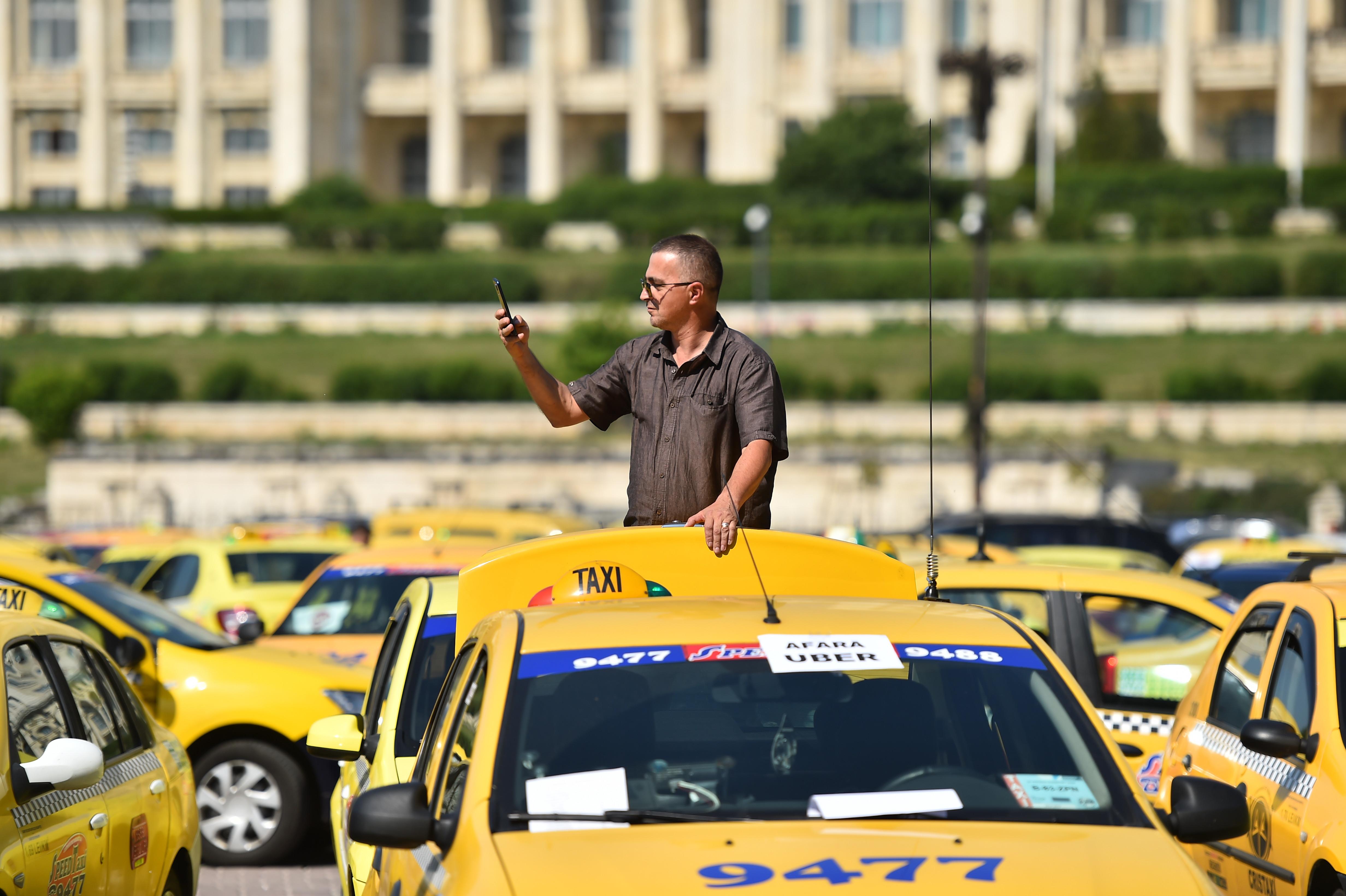 """Taximetristii si-au descoperit o noua vocatie: vanează soferii de ride-sharing. """"Boss, esti de la Uber?"""""""