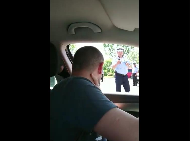 Cum explică ministrul de Interne parola cerută de poliţie la intrarea în Târgovişte