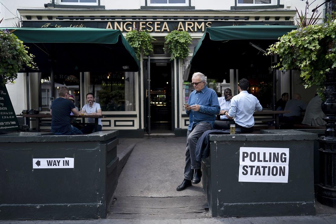 Trei cetățeni români au fost aleși consilieri locali în urma alegerilor din Marea Britanie