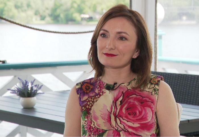 """Paula Herlo, despre cum îi crește pe Ania și Vladimir: """"Cumva, când mă uit la ei, îmi amintesc de copilăria mea"""""""