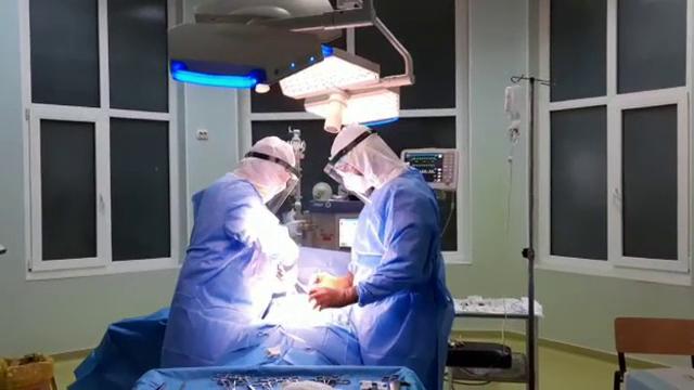 După ce a fost infectată cu coronavirus, o femeie a descoperit că are și o tumoare. Ce a urmat