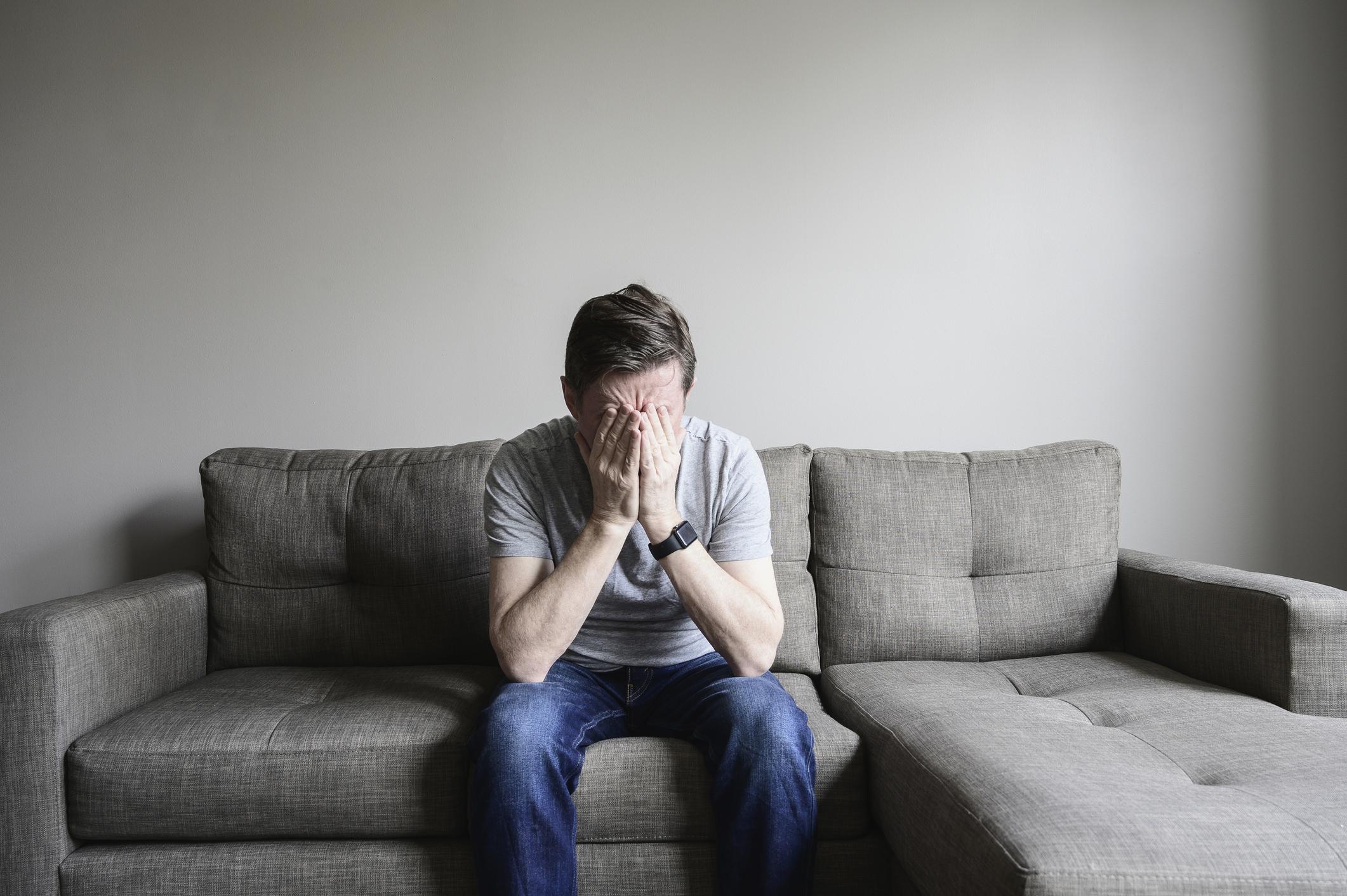 Un ieșean căutat pentru 12 jafuri cere să nu fie extrădat pentru că are depresie. Răspunsul original al judecătorilor