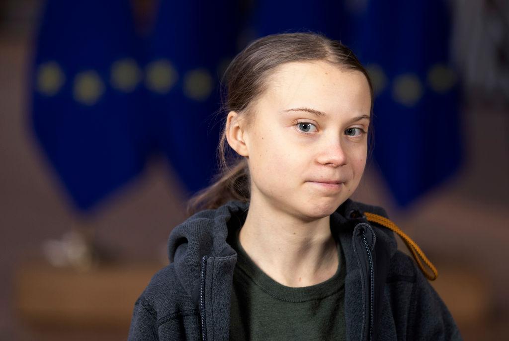 Greta Thunberg, pe coperta ediţiei scandinave a revistei Vogue. Aceasta critică industria ''fast fashion''