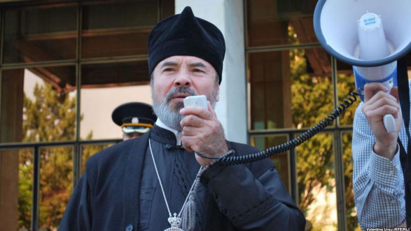 Un vaccin contra Covid-19 încă nu există, dar un episcop își îndeamnă deja credincioșii să nu și-l facă