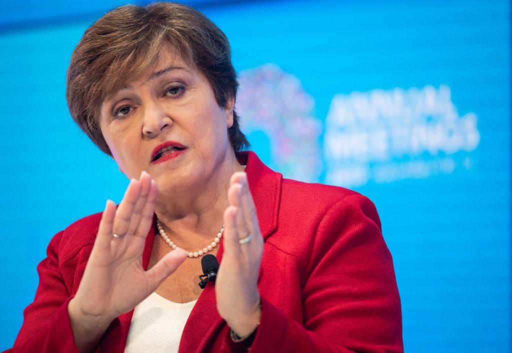 FMI: Șocul provocat de coronavirus ne va afecta mai mult timp decât am crezut