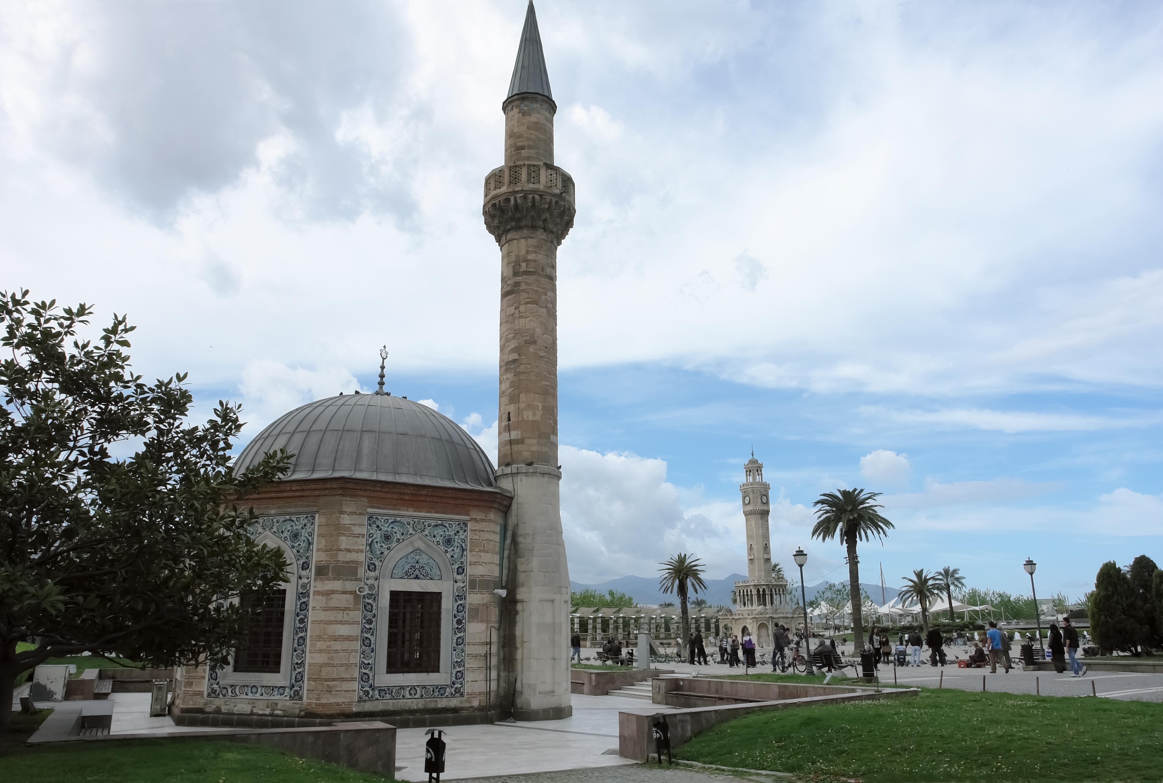 """VIDEO Atac informatic la minaretele din Izmir. """"Bella Ciao"""", difuzată în locul chemării la rugăciune"""