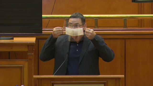 Victor Ponta susține că alegerile îi pun în pericol pe români