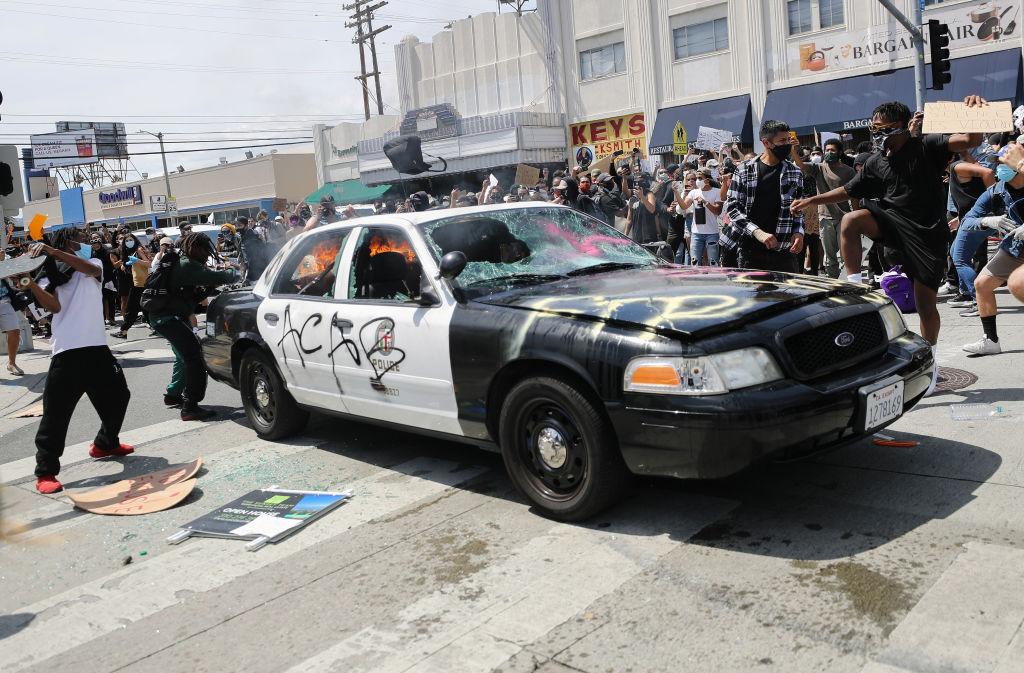 Proteste violente în SUA după moartea lui George Floyd