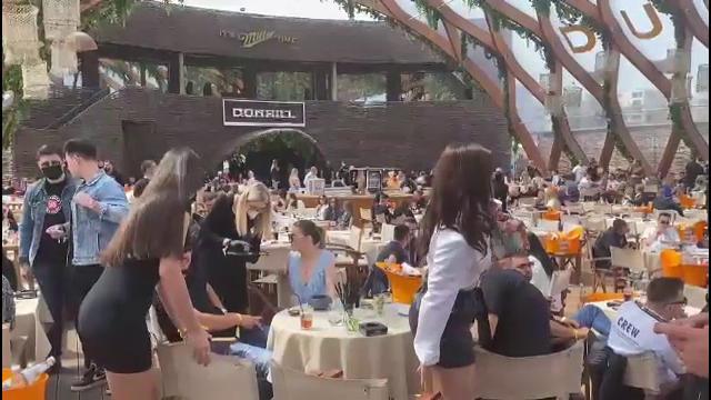 Distracție cu restricții de 1 Mai. Petrecăreții au plătit și 5.000 de euro pentru rezervarea unei mese în club la Mamaia