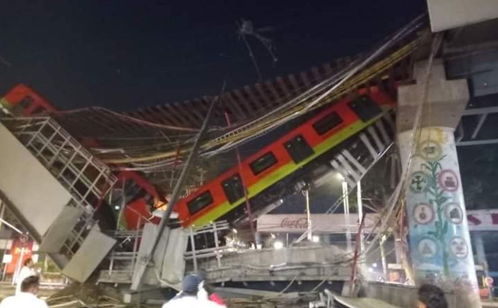 VIDEO. Tragedie în Mexic. Cel puțin 20 oameni au murit într-un accident la metroul suspendat din capitală