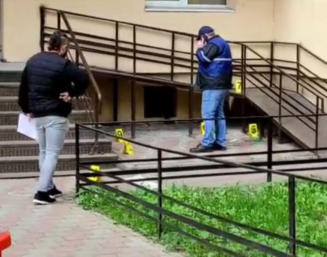 Crimă într-un subsol de bloc din Piatra Neamţ. Ucigaşul a fost găsit după câteva ore