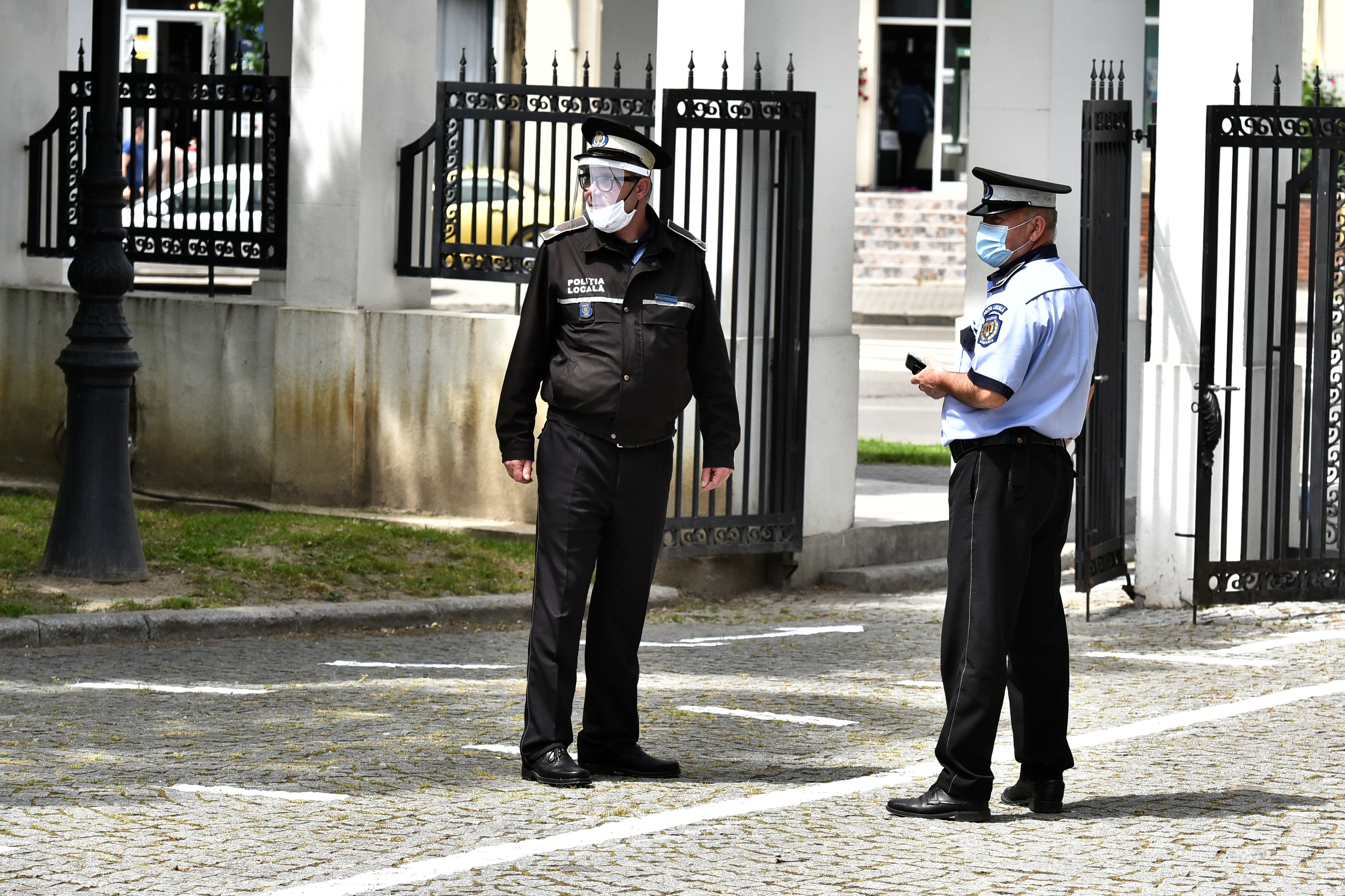 Anchetă la Ploiești, după ce mai mulți polițiști locali au depus acte că nu pot lucra decât ziua
