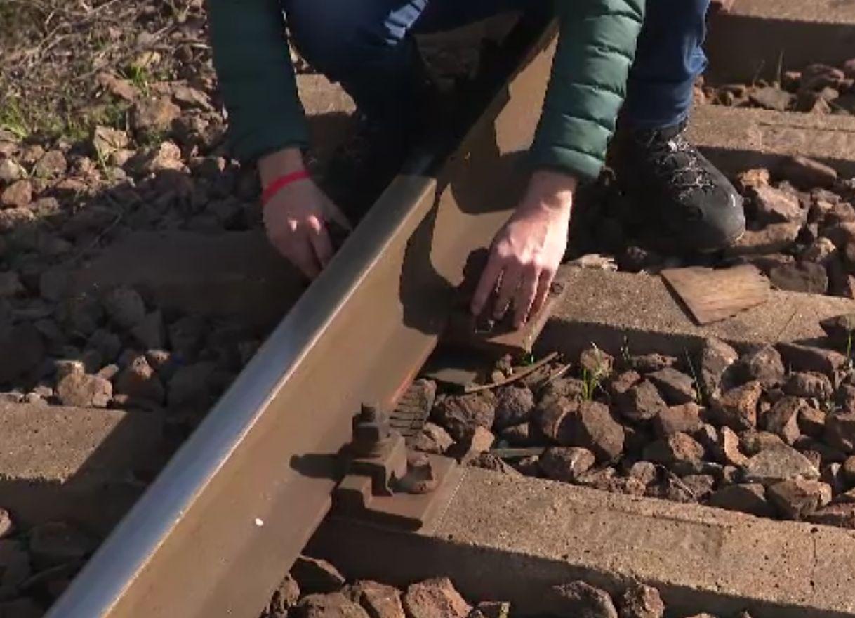 De ce merg atât de încet trenurile la noi. Şefa Ford România: