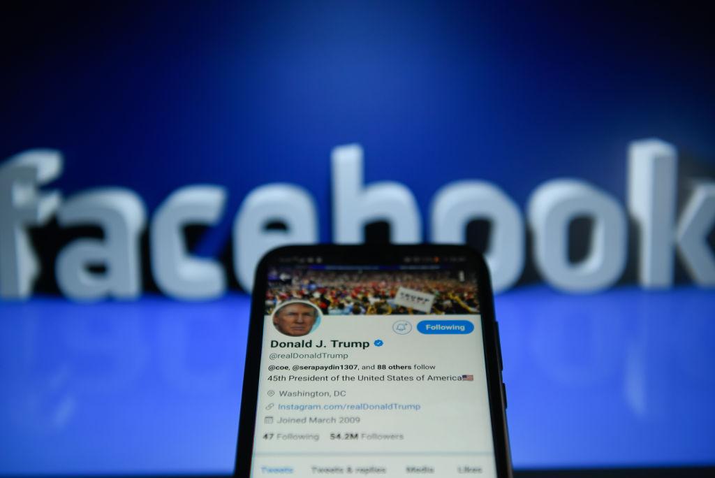 Facebook nu îl deblochează pe Donald Trump. Fostul președinte SUA are 35 de milioane de abonați