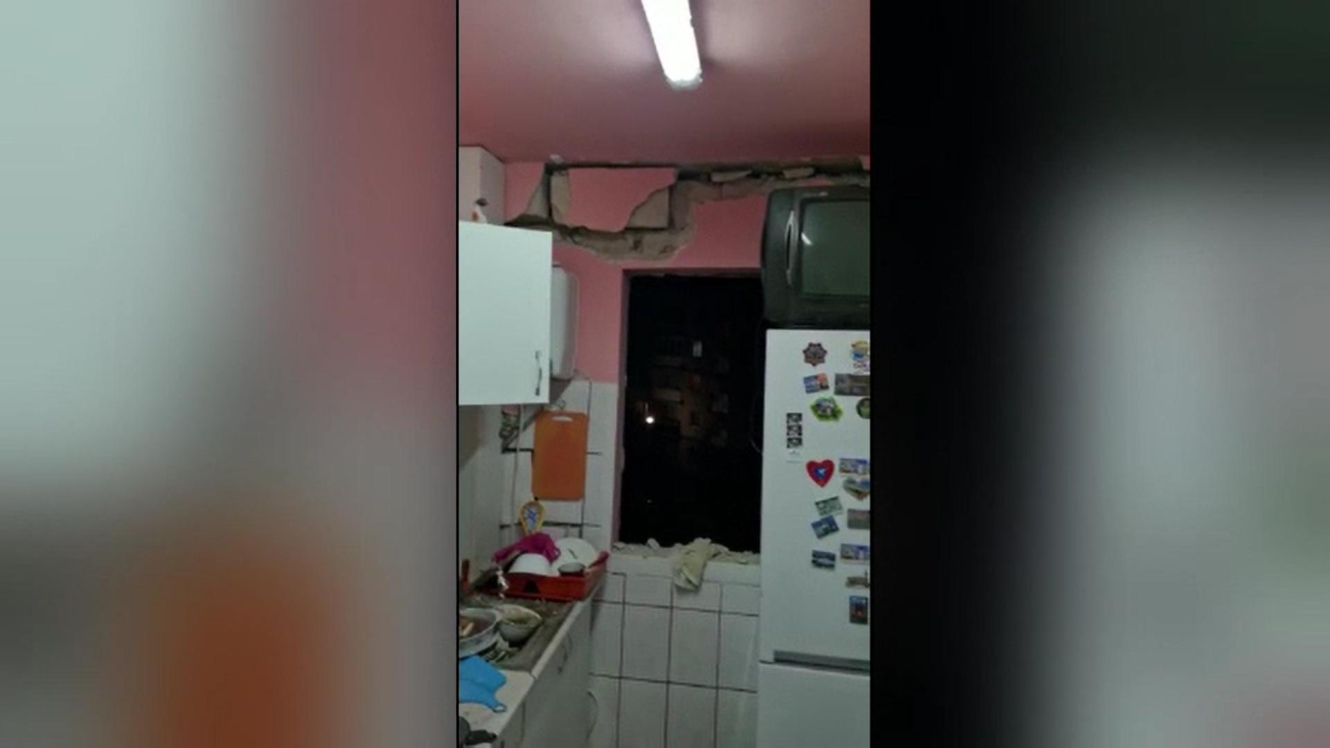 O explozie puternică a distrus un apartament din Sighetu Marmației. Deflagraţia s-a produs de la o butelie