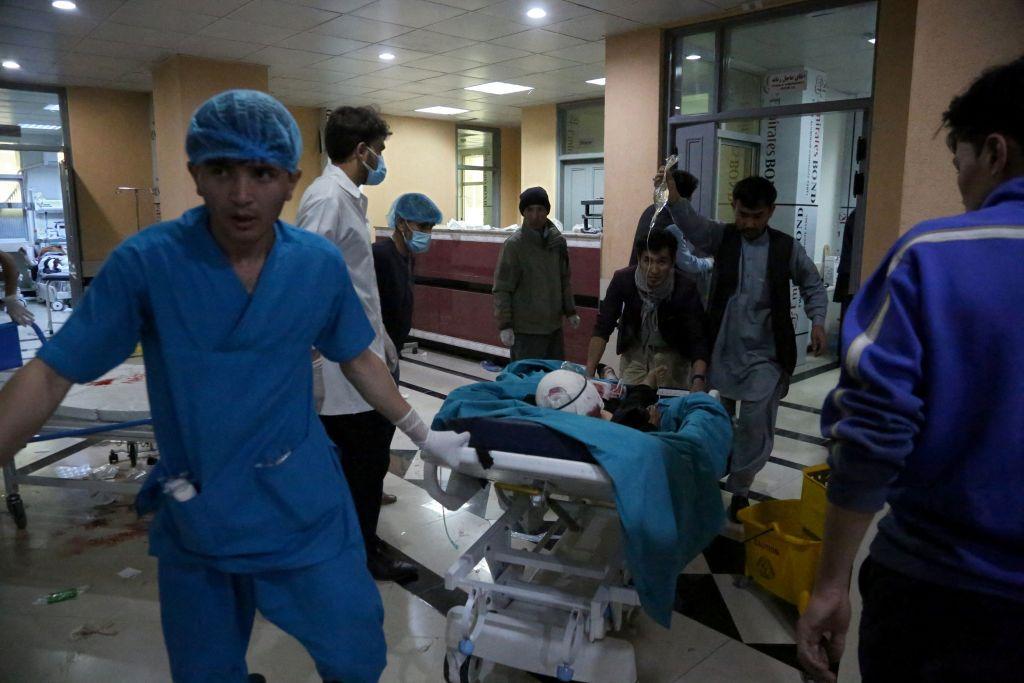 Atac terorist în fața școlii de fete din Kabul. 50 de persoane au murit
