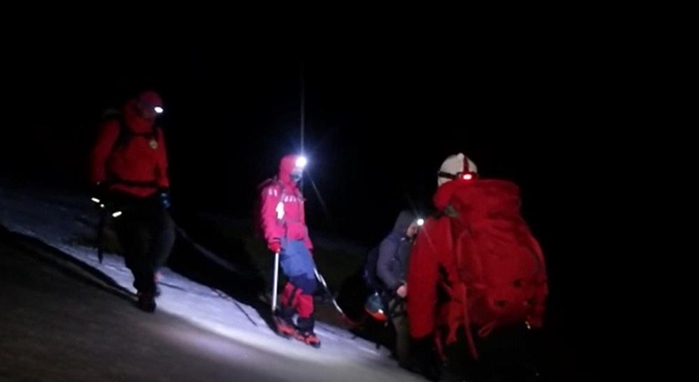 Alertă în Bucegi, după ce trei turiști au rămas blocați în munți. Unul nu a fost încă găsit