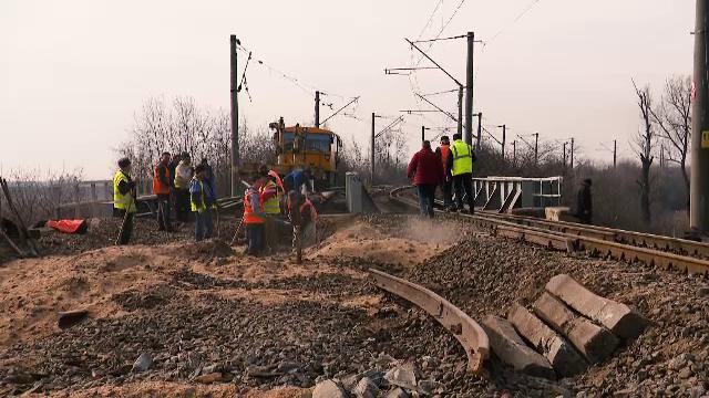 În anul european al căilor ferate, trenurile merg în România şi cu 5 km/h iar CFR nu are şine în stoc