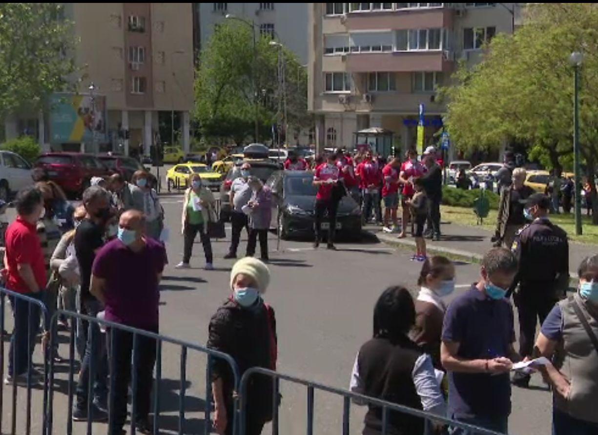 Maratonul de vaccinare din București, un succes absolut. Peste 18.000 de persoane au fost vaccinate
